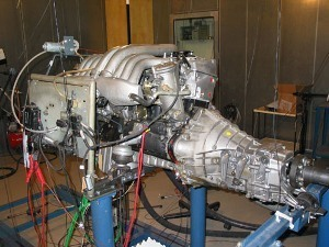 A Motor ist tested on an engine test station.